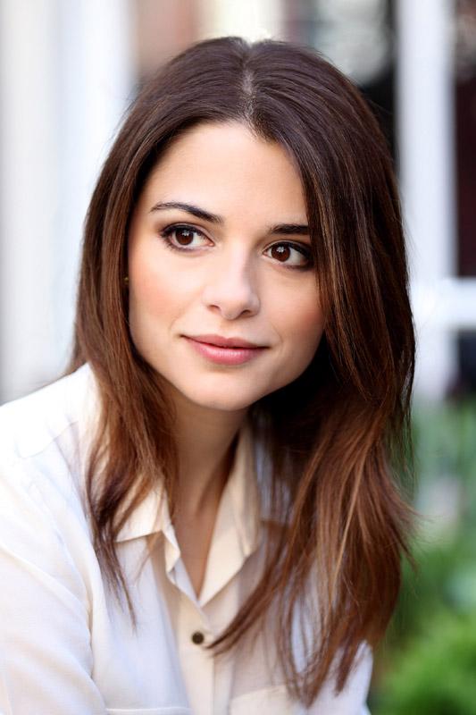 Stephanie Leonidas